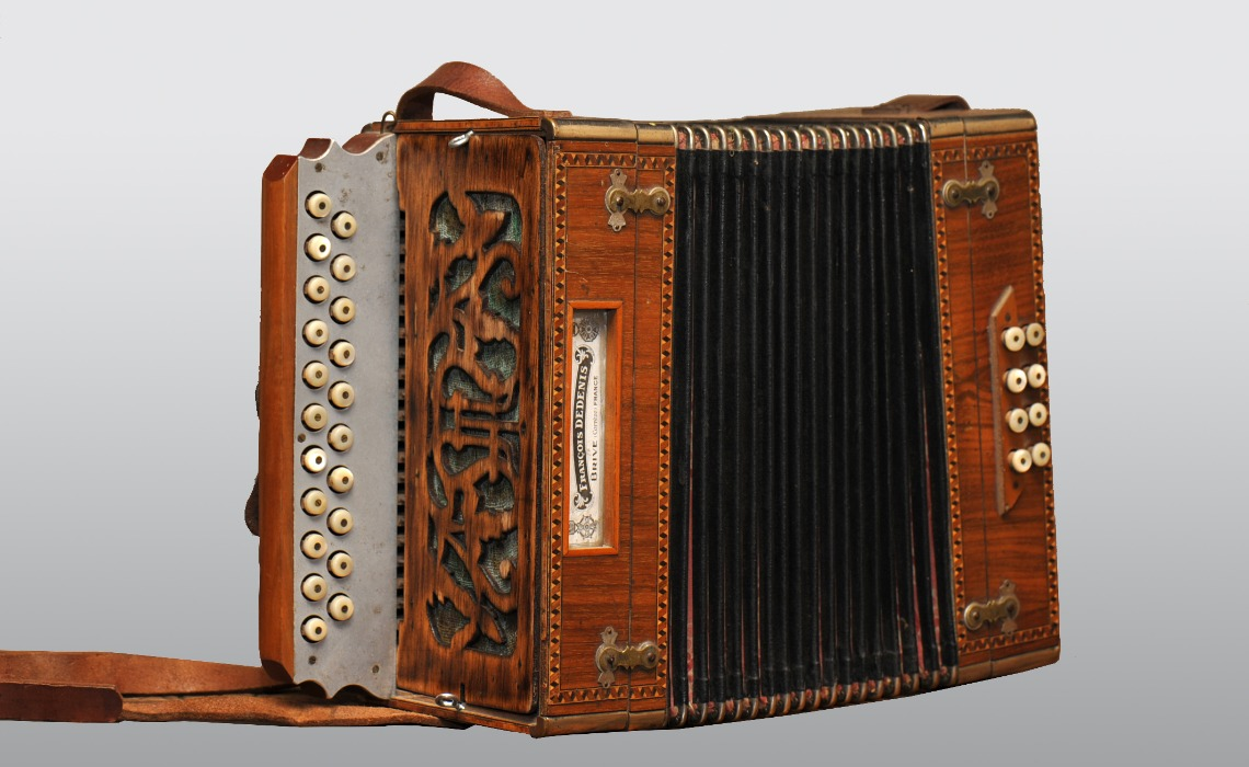 Accordéon diatonique Dedenis, ca 1920.